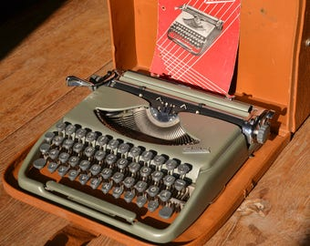 RARE - Working Typewriter - Groma Kolibri - Fully Serviced - Working Perfectly