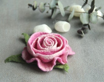 Felt flower Felt brooch Rose brooch Rose jewelry Felt flower brooch Felt rose Felt brooch Wool flower Gift for her Wool rose Pink rose