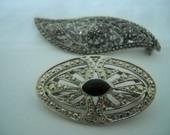 Vintage Art Deco Brooches, 2 Silvertone Brooches, Oval Brooch with Black Bead, Feather Brooch, Pair of Pins, Open Work Brooches