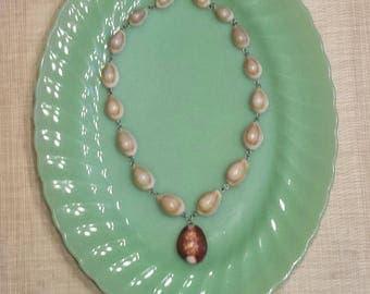 Vintage SEASHELL NECKLACE, Seashell Coffee Bean Necklace, Beach Necklace, 1960's Necklace, Pendant Necklace