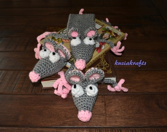 Crochet Squished Mouse Bookmark