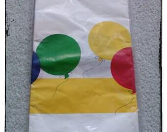 VINTAGE new balloon birthday paper table cloth tablecloth decor Decoration balloons