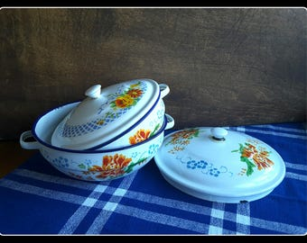 Vintage retro enamelware two bowls with handles and lids