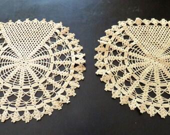 Crochet Doilies Set of Two (2) Round Doilies, Vintage Doilies, Vintage Decor, Vintage Table Decor, Vintage Kitchen Round Doilies