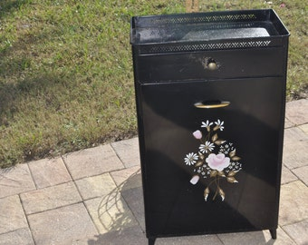 Vintage Detecto Metal Laundry Hampar Cabinet