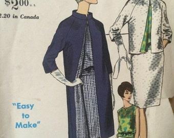 Chic Ensemble Pattern for Coat, Suit and Blouse---Vogue Special Design 6741---Size 18 Bust 38