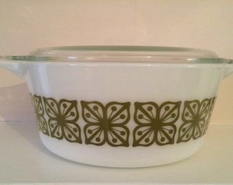Vintage Pyrex Square Flowers Casserole  475  with lid