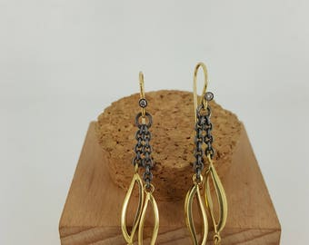 18 Karat Yellow Gold Diamond Dangle Earrings