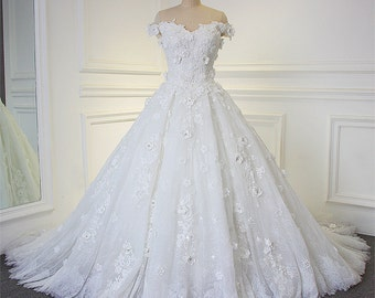Ball Gown Wedding Bridal Dress with Off Shoulders Flowers Sweetheart Neckline Court Train Zipper Luxurious Middle Eastern Arabic Dubai