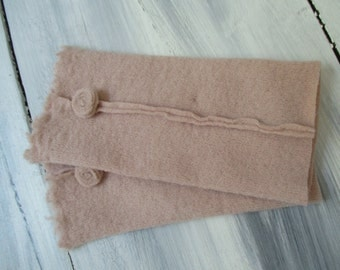 Hand warmers with rosette