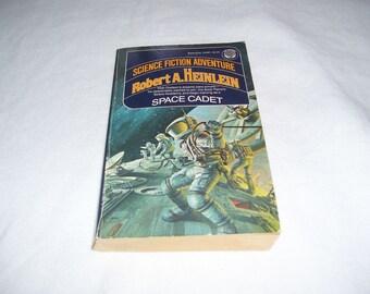 Space Cadet by Robert A. Heinlein Pb 1975 Vintage