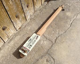 Cigar Box guitar: Metal box / Schimmelpennincks / 1 rope