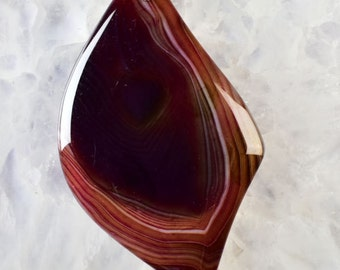 100 % Natural brown Agate freeform shape pendant gem. Striped agate stone. 58x35x5 mm MMA