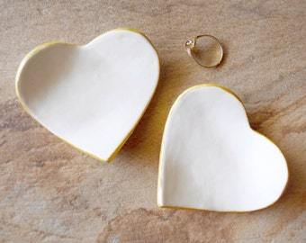 CLAY HEART RING dish gold rim ring tray tceramic heart silver rim ring plate, wedding ring holder bridesmaid gift, jewelry holder ring tray