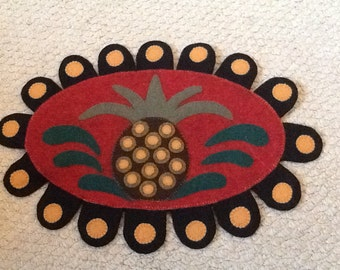 Pineapple wool felt applique mat penny rug
