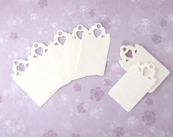 30 pcs Ivory Cream Scalloped Tags, Wedding Tags, Gift Tags, Place name, Favour Tags, Elegant Heart Detail - UK