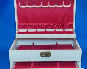 Antique 1950s Large White/Cream Jewelry Box, Red Linning, Pull Out Drawer