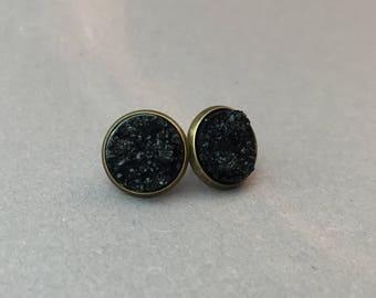 Black sparkling cabochon earrings
