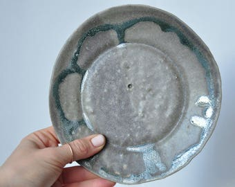 "New Grey/Green ""Paper Plate"""