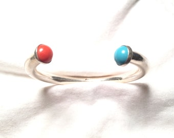 Vintage Beautiful solid heavy 925 sterling silver turquoise and coral bracelet