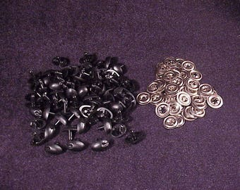 Lot of 69 13mm Wide, 17mm Tall Black Bear Plastic Craft Noses, with 69 Metal Safety Washers, 3/4 Inch Tall, 1/2 Inch Wide, Craft Supply