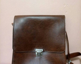 Messenger Bags /Fake Leather pannier / Work  bag / Retro Bag / Brown bag/  80's bag / Vintage Bag /Fake Leather Bag / 80s Bag / Like New