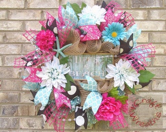 NEW! - Lighted Beach Mesh Wreath in pink and aqua!