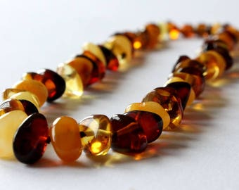 Colorful amber necklace, multicolor amber jewelry, knotted amber necklace, playful amber necklace, natural Baltic amber, organic necklace
