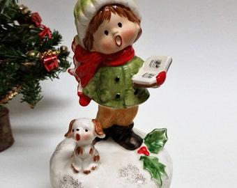 """Vintage Christmas Caroler Musical Figurine """"White Christmas"""""""