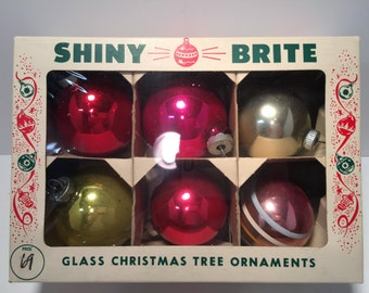 Vintage set of 6 glass christmas ornaments in Shiny Brite box