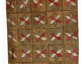 ON SALE 20% Off 3.1' X 5.3' ( 94cm X 161cm) handmade antique geometric American hooked rug 1880