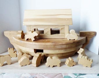 NOAH'S ARK w/ ANIMALS hand carved cedar wood