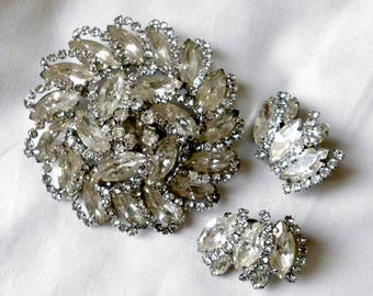 Signed WEISS Frosty and Clear Glass Pin Brooch and earrings Clip ons.