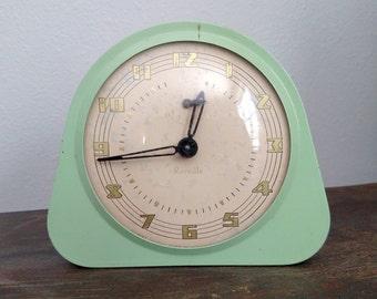 Vintage Reveille Alarm Clock Green Retro 1950's Gilbert Clocks, Made in Winsted Conn. USA