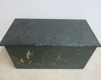 Antique wood painted dovetail Chest trunk Tool chest G