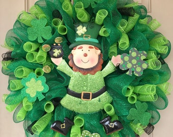 St. Patricks Wreath with Adorabe Metal Leprechaun, Glittered Clovers and Lots of Curled Mesh Rolls