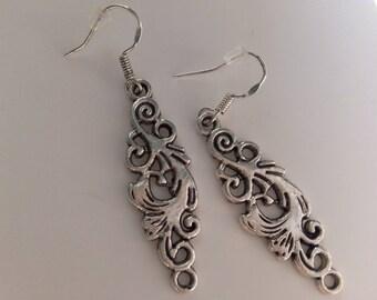 Earrings silver filigree pattern