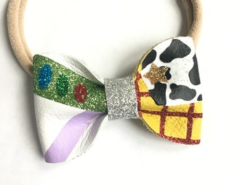 Toy Story Buzz and Woody bow