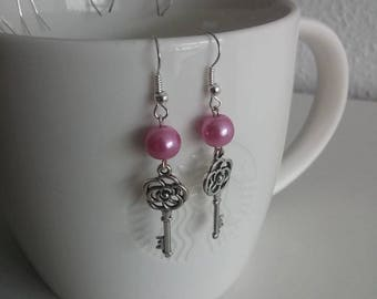 Sweet key earrings with pearly pink beads.