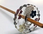 Resin Drop Spindle - Feathers & buttons #316 - 15 grams (0.5 ounces)
