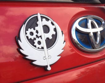 Fanart 3D printed black/white Brotherhood of Steel Fallout car decal/logo/magnet, great gift for nerd girl or boy