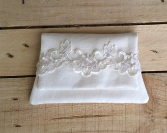 Bridal Linen and Lace Purse, Ivory wedding clutch purse, Linen and Lace Ivory purse
