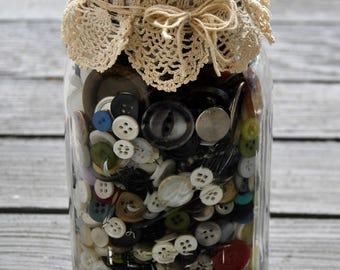 Classic Vintage Ball Quart Jar of Buttons with Vintage Crochet Doily  ~ over 850 buttons!