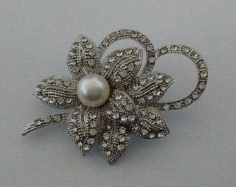 Crystal and Pearl Brooch..Wedding Brooch..UK