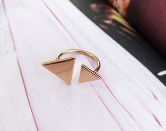Gold or silver triangle ring