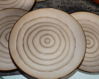 Vintage (c.1996) Cuisinart Dinnerware Micro | Rings pattern large, coupe-shape salad plate.  Concentric brown rings.