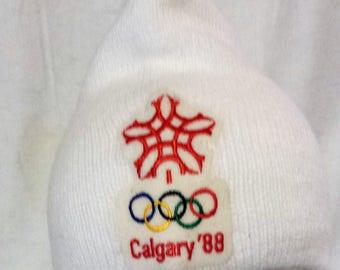 1988 Calgary Winter Olympics toque, white with embroidered logo, olympic souvenir, memorabilia, Canadiana