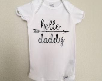 Hello Daddy Onesie, Announcement Onesie, Pregnancy Announcement Onesie, Hello Daddy, Baby Onesie, Baby Announcement, Daddy Onesie, Pregnant