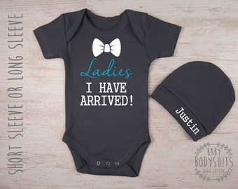 Coming Home Boy Outfit, LADIES I HAVE Arrived! Graphite Gray Baby Bodysuit & Personalized Baby Hat Set, Baby Shower Gift, Newborn Boy Outfit