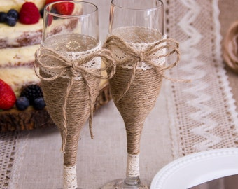 Rustic Wedding Toasting Glasses Rustic Toasting Flutes Twine Wedding Champagne Flutes Bride and Groom Wedding Glasses
